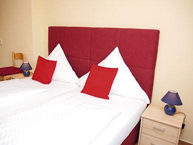 Doppelbett-Schlafzimmer 2