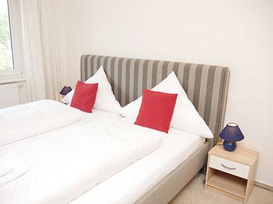 Doppelbett-Schlafzimmer 1